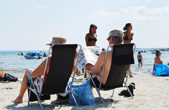 Older travellers are wise with holiday spending by avoiding ATM fees
